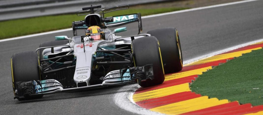 Photo of Classificação – Hamilton quebra recorde da pista, iguala ao número de pole-position de Schumacher e bate Ferrari