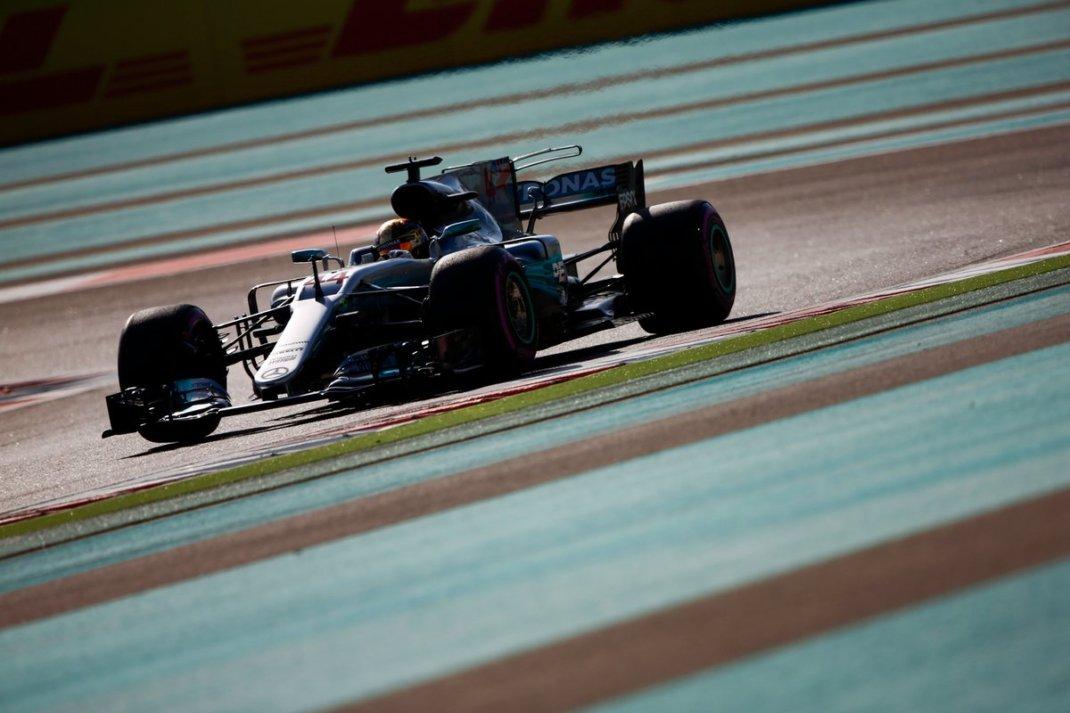 Foto de FP3 Abu Dhabi – Mercedes assume a liderança da sessão com Hamilton e Bottas na ponta