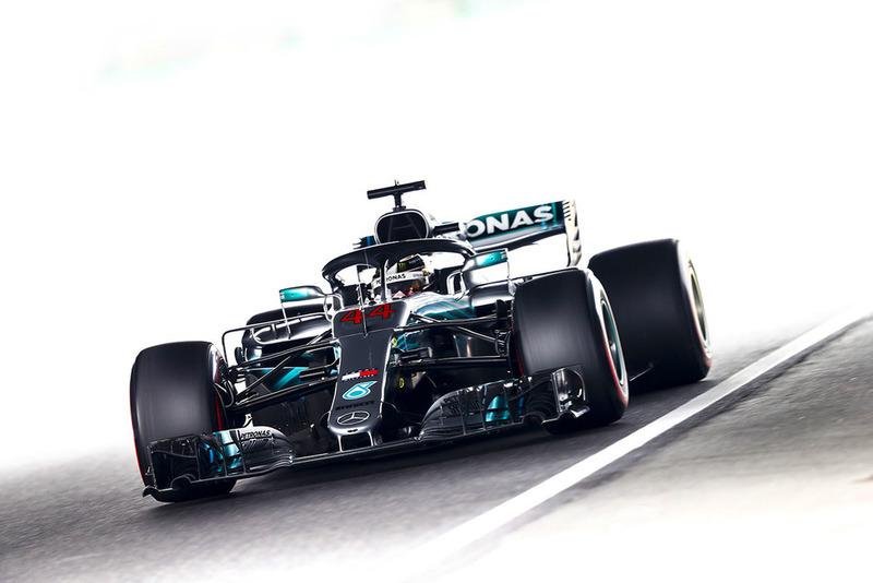 Photo of Classificação Japão – Lewis Hamilton chega a 80ª pole-position em sessão com erro da Ferrari