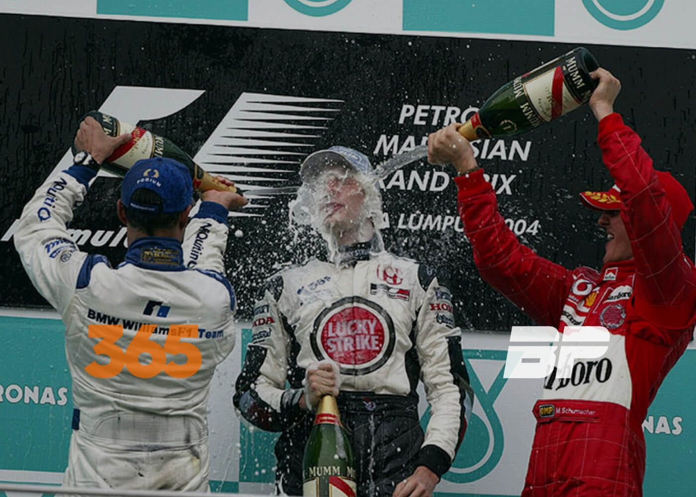 Photo of Schumacher mira no hepta e Button prova champagne