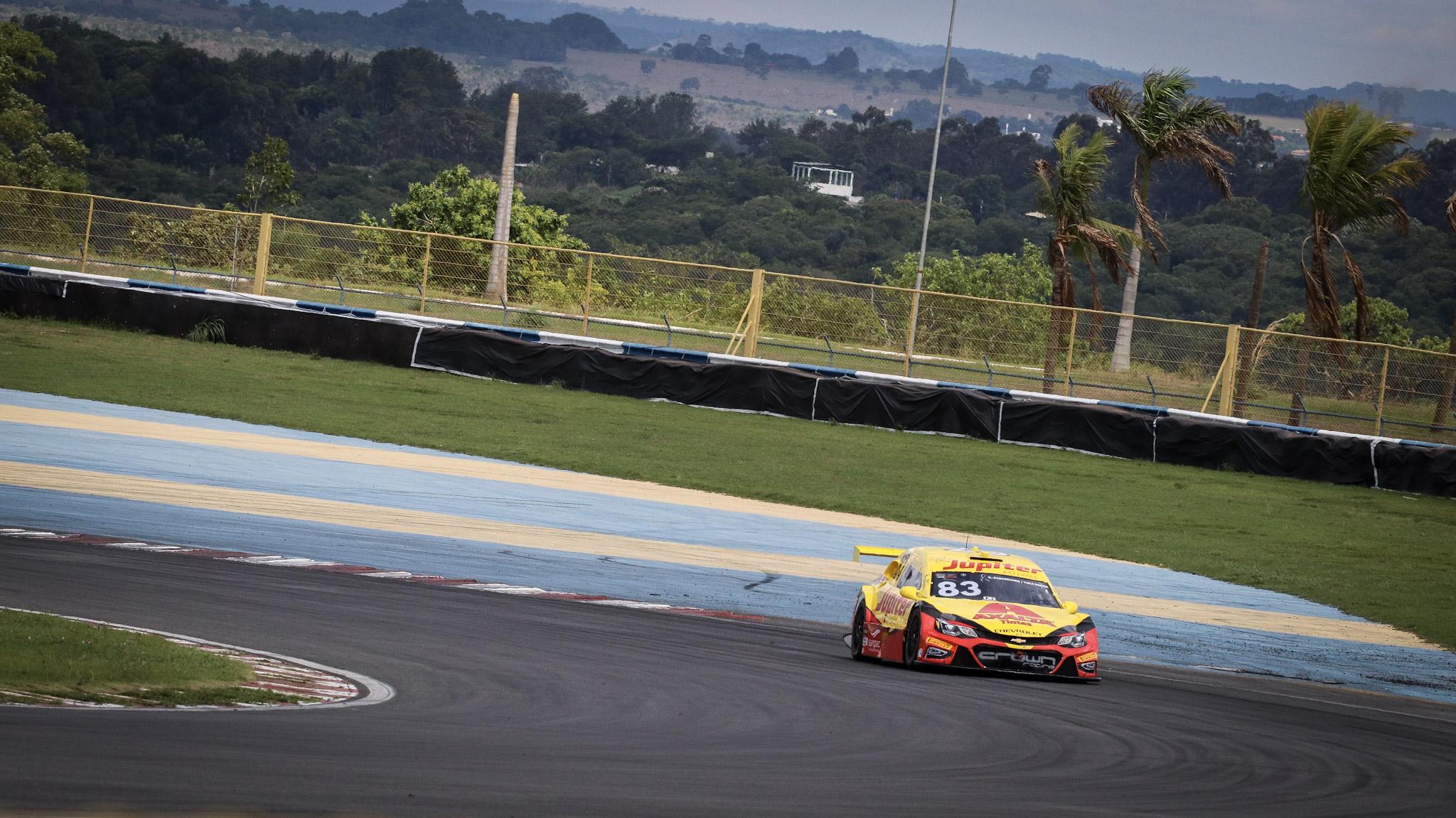 Foto de Após largar na pole, Gabriel Casagrande conquista vitória em Goiânia, com Cesar Ramos na segunda posição