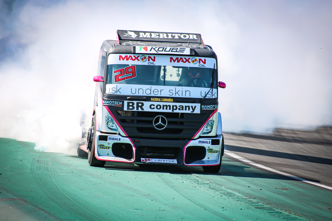Foto de Galeria de fotos da Corrida 02 da Copa Truck em Interlagos, fotos de Deborah Almeida