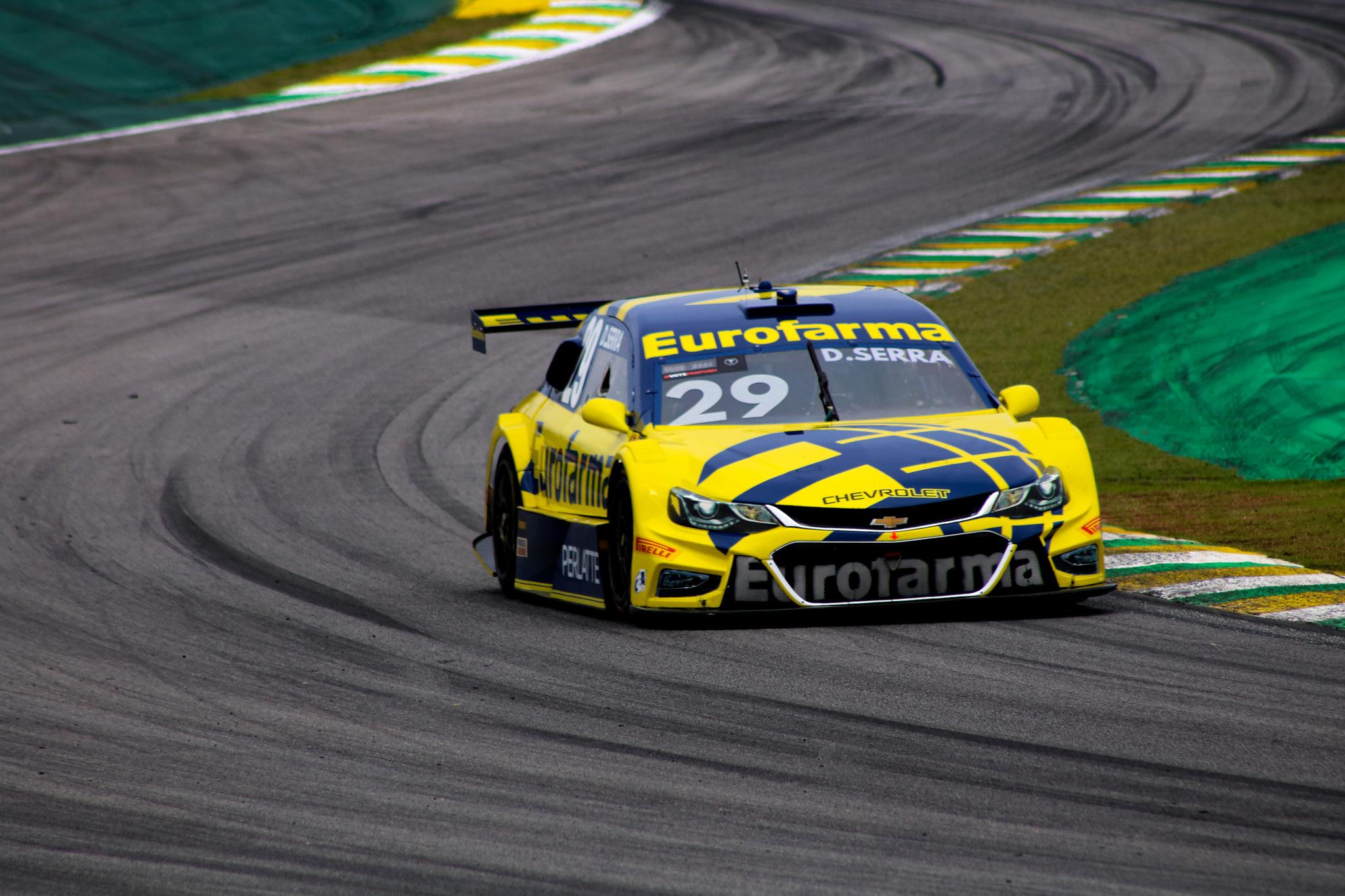 Foto de Daniel Serra conquista tricampeonato da Stock Car, com Thiago Camilo vencendo em Interlagos