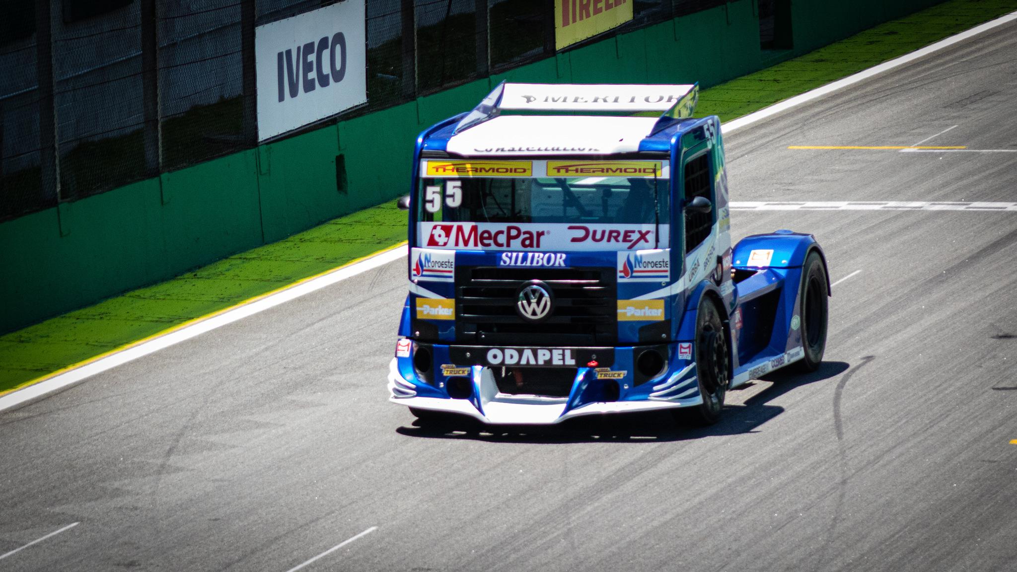 Foto de SFI CHIPS firma parceria com o piloto Paulo Salustiano e estreia na Copa Truck, na equipe VW