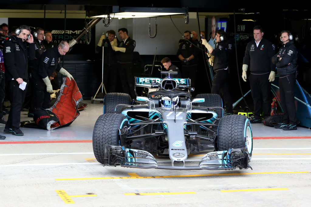 Photo of Mercedes vai realizar testes antes do início da temporada com Valtteri Bottas e Lewis Hamilton