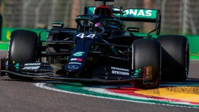 Foto de Lewis Hamilton lidera único treino livre em Ímola, acompanhado por Verstappen e Bottas