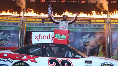 Foto de Xfinity Series: Noah Gragson vacila e entrega a vitória para Harrison Burton
