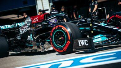 Foto de Hamilton fecha sexta-feira na ponta, enquanto Red Bull enfrenta problemas com o equilíbrio do carro